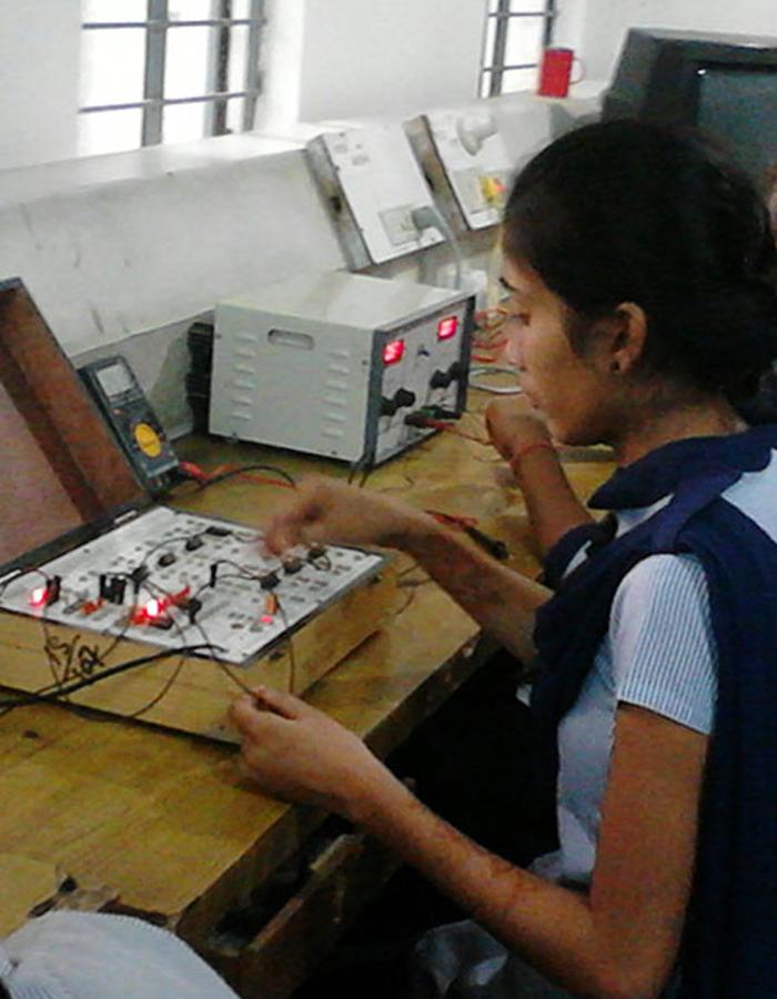 Electronics Mechanic (NCVT)